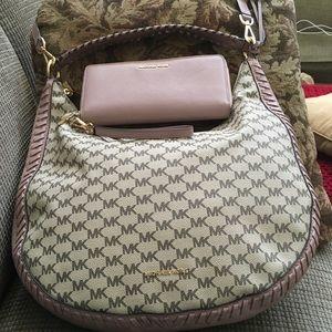 Michael Kors hobo bag AND matching wallet!!!!!!